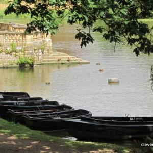 The lake, Hever