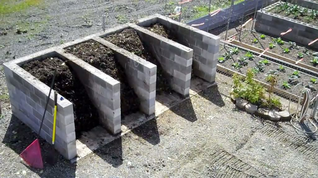 How To Compost Static Turning Bins From Breeze Blocks